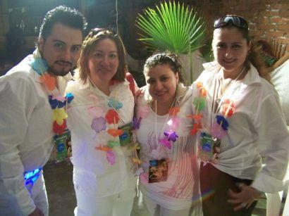 MDC Querétaro en la grabación del video de Ten Paciencia.